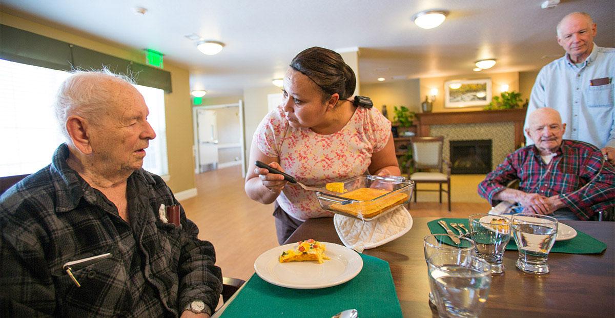 Assisted living provider in loveland, co serves breakfast